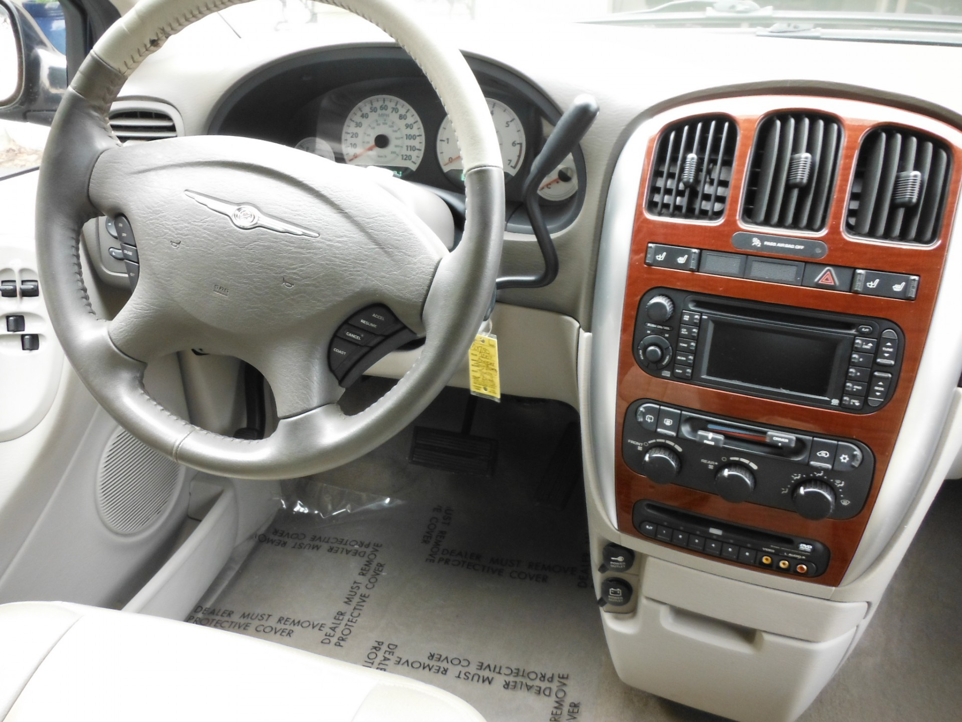 vehicles van img drive incentives trim lx dodge overview pacifica select cooksville chrysler small new front wheel automatic