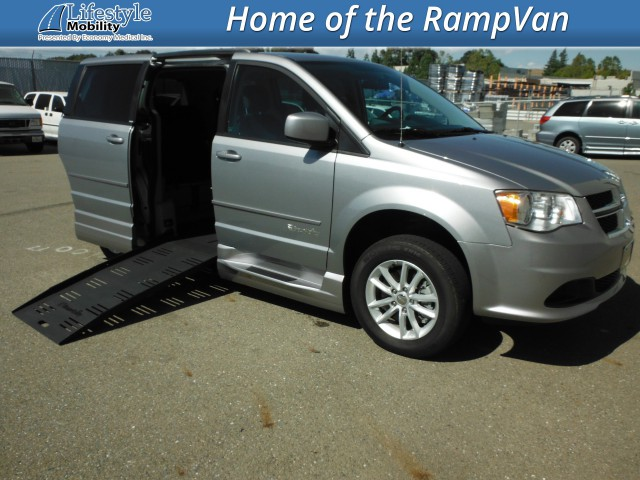 2014 Dodge Grand Caravan BraunAbility Dodge CompanionVan Plus Wheelchair Van For Sale